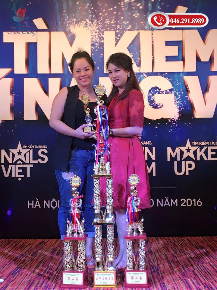 dạy nail tại Hà Nội