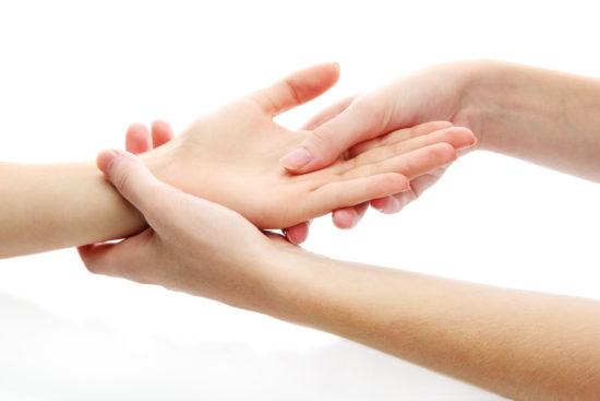 Khóa học nail massage tay – trung tâm đào tạo Nail Nhã Tường